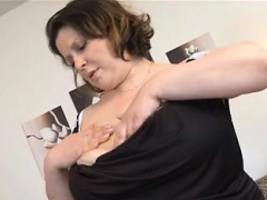 fat chick with huge boobs fucking big dildo