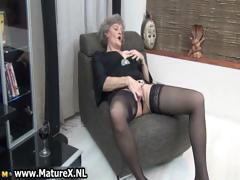 mature-housewife-in-sexy-black-stockings-part4