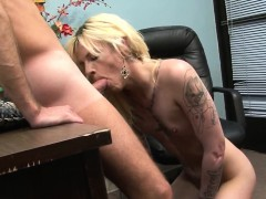 transsexuals-mouth-cummed