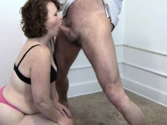 busty-mature-amateur-gives-a-great-blowjob