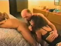 British Mature Milf Gives Blowjob And Lick Balls