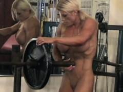 female-bodybuilder-melissa-dettwiller-gets-naked-in-the-gym