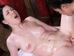 Asian Lesbian Made Masseuse Cum
