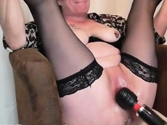 mature-fisting-squirting-orgasm