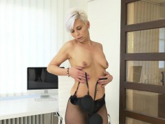euro-milf-kathy-white-gives-her-pantyhosed-pussy-a-treat