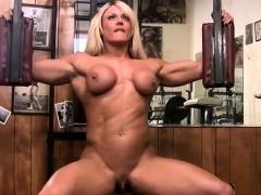Naked Female Bodybuilder Lisa Cross and Her Big Clit