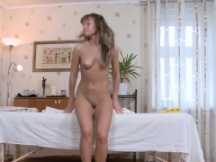 Sexy Ramming Of A Juicy And Cunt In Massage Room