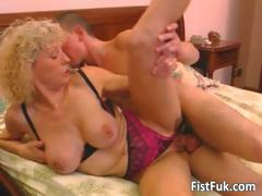 busty-blond-mature-gets-her-pussy-fisted-part1