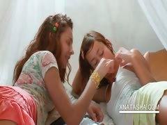 sweet-teen-lesbians-kissing-sensually