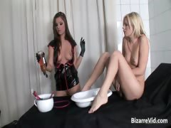 slutty-blond-chick-gets-pussy-fucked-part4