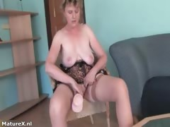 horny-busty-mature-woman-puts-her-boobs-part2