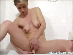 hairy-bathroom-solo-mom-lauren