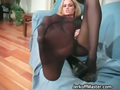 blond-hottie-with-natural-big-juggs-part6