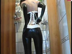 latex masturbation WWW.ONSEXO.COM