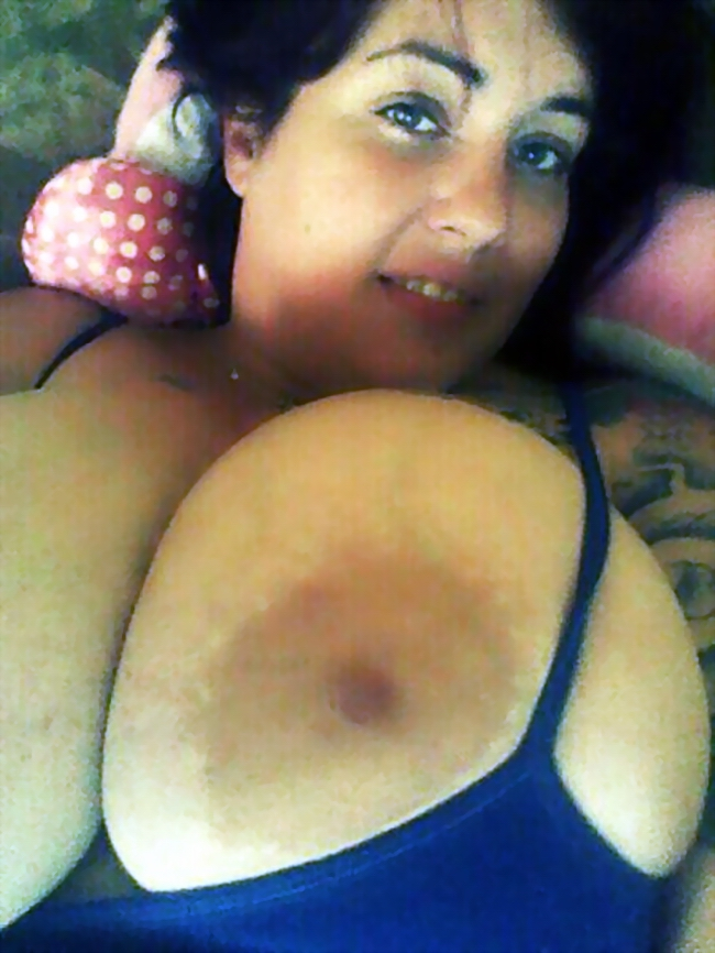 quivering tits
