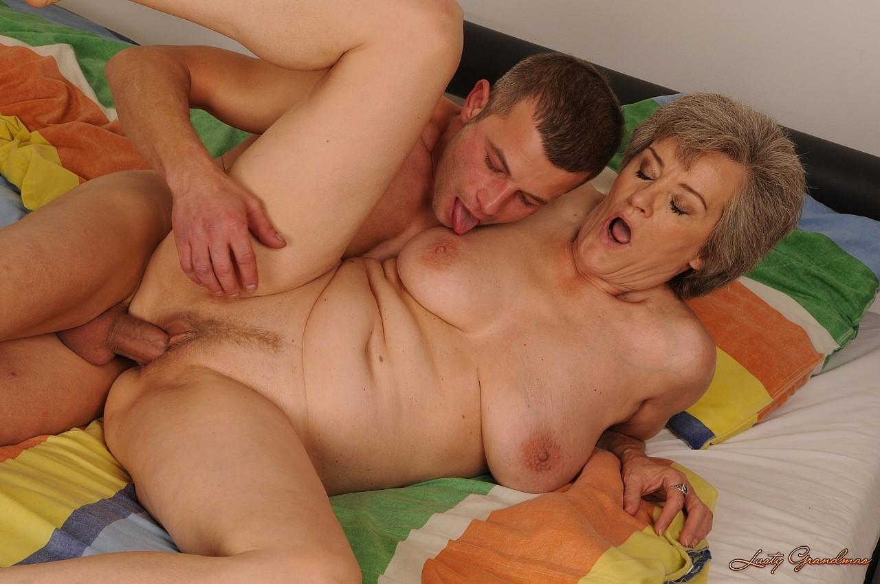 порно тетки с молодыми