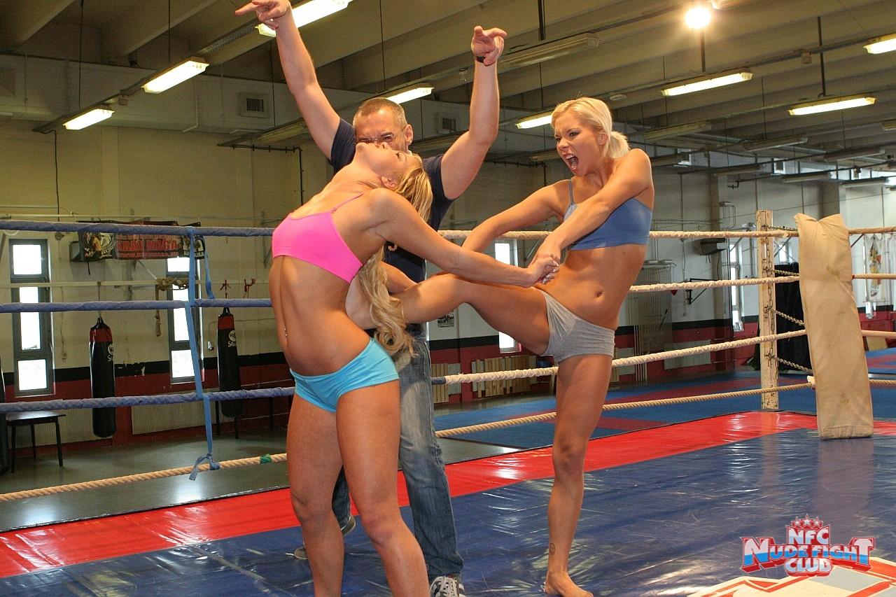 Секс видео телочки дерутся на ринге