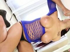Busty Masseuse Lilyth Lavey Massage Cock Until It Cums