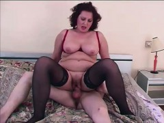 Mature Dick Riding Skank