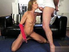 Porno mama traxt sinu