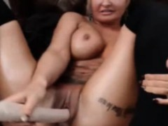webcam-girl-milf-big-dildo-masturbation