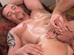 muscular-guys-gay-massage