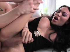 Bigtitted Shemale Amateur Bareback Nailed By Male