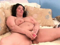 BBW granny craves a long lasting orgasm