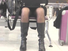 upskirt-while-waiting-at-the-airport