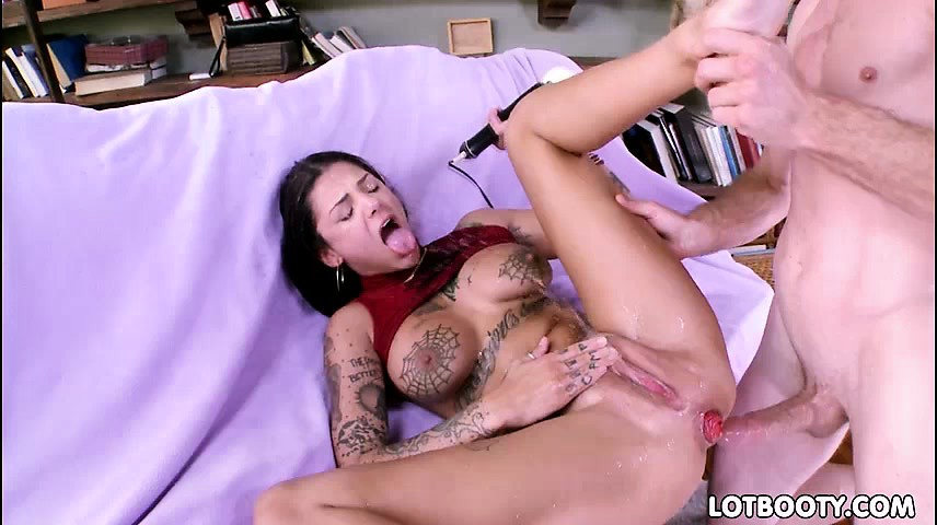Girl Squirts During Anal