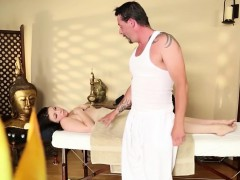 Great Massage Room With Gentle Babes