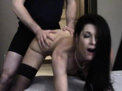 mature-milf-real-estate-agent-bangs-her-client-in-the-house