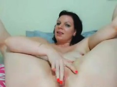 creamy-pussy-played-with-close-up