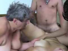 Порно ебут девак