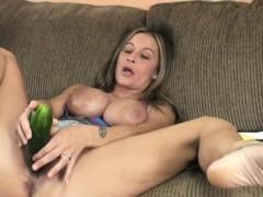 busty-cougar-leeanna-heart-masturbates-with-a-cucumber