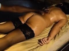 rub-femme-spouse-black-kine-masseur-voyeur