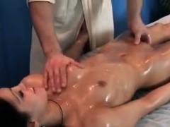 sensual-massage-for-brunette