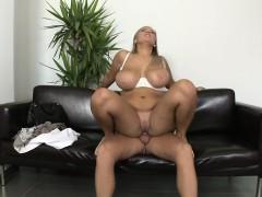 Amateur With Massive Tits Mp10983
