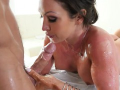 Luscious Tits Nuru Massage