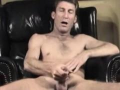 Mature Amateur Craig Jacking Off