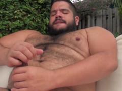 bear-superchub-barebacks-pounds-otter-outdoor