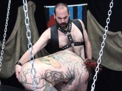 Beard Inked Bear Assfucked Raw In Threeway