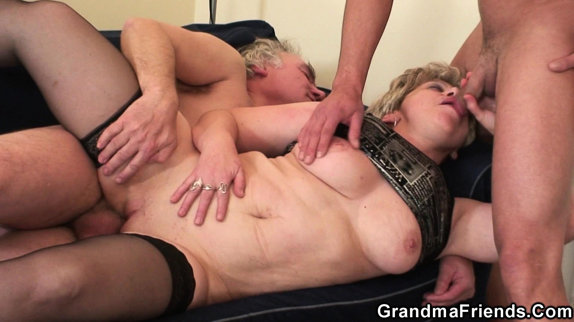 Бесплатное жесткое порно старушек