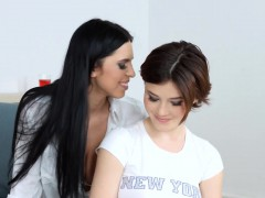 passionate-lesbian-sex-with-kyra-queen-and-veronica-moore