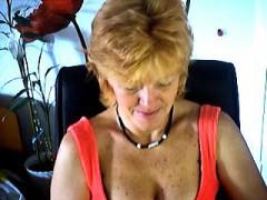 mature-masturbates-on-webcam-frankie