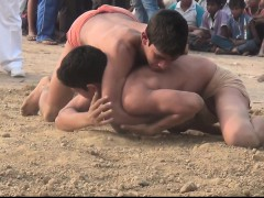 fighting-about-the-beach