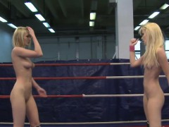 bigtit-babe-pussylicked-after-wrestling
