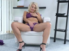 all-natural-housewife-webcam-show