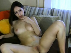 naughty-babe-has-an-ass-made-riding