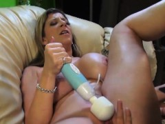 sarah-jay-has-her-moist-snatch-plugged
